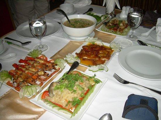 Golden Guest Hotel: Sumptuous farewell dinner