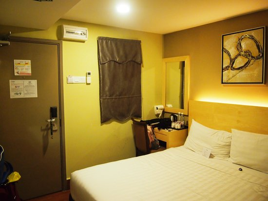 Metro Hotel KL Sentral : The Room