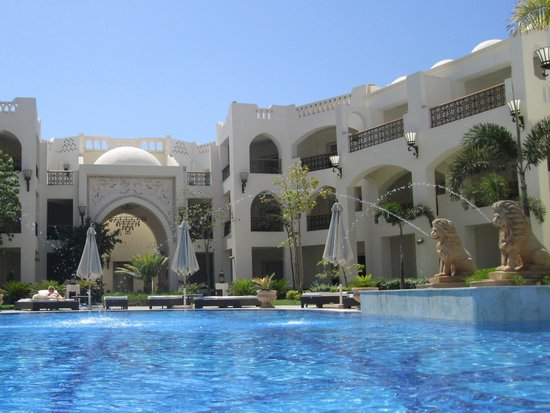 Le Royale Sharm El Sheikh, a Sonesta Collection Luxury Resort : Almost private pool