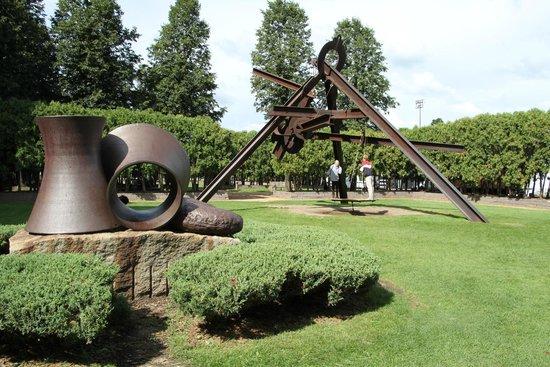 The Cherry Spoon Sculpture Picture Of Minneapolis Sculpture Garden Minneapolis Tripadvisor