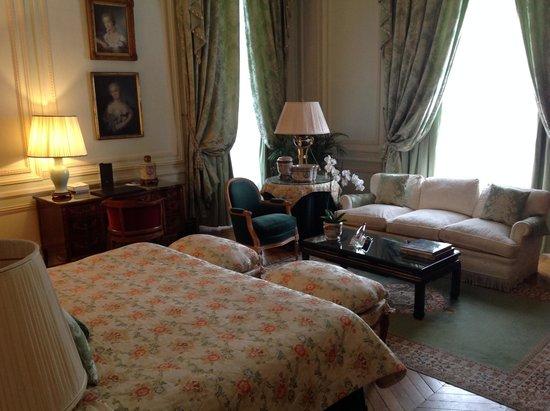 Château Les Crayeres : Chateau Les Crayeres' beautfiul room