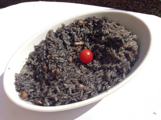 Restaurant Katedralis: Black Risotto with squid. Squid was perfectly cooked.