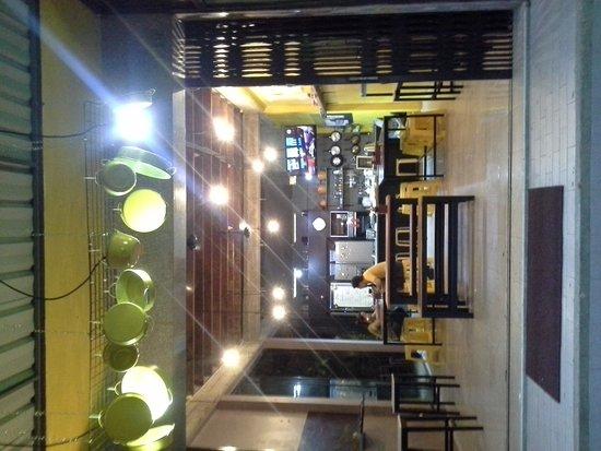 Yak Yai Fan Room