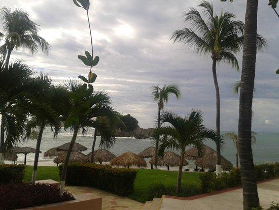 بارسيلو هواتولكو بيتش ريزورت - شامل جميع الخدمات: Terraza de la habitacion muy cerca de la playa y la alberca