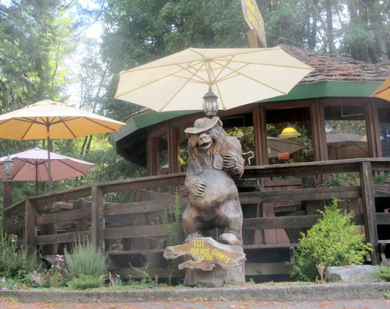 Phillipsville, Califórnia: Chimney Tree Grill, Avenue of the Giants, Ca