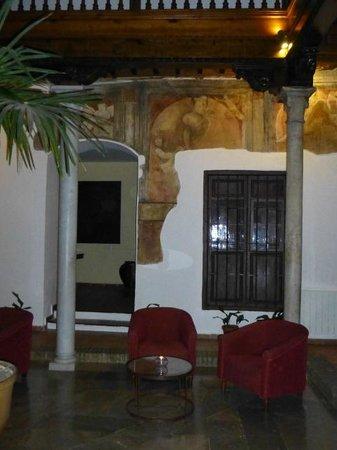 Palacio de Santa Ines: Patio