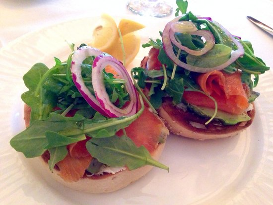 The Point Restaurant & Terrace: Smoked Scottish salmon on toasted bagel with crab and avocado is so delicious.