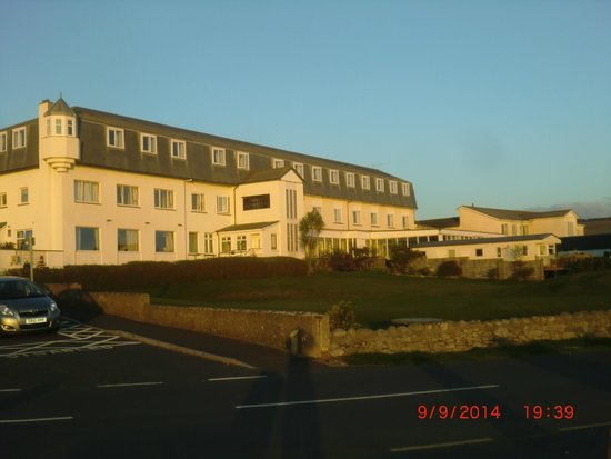Best Western Kinloch Hotel: Hotel from the car park