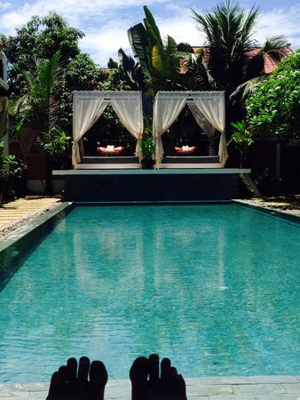 Mulberry Boutique Hotel: Relaxing by the pool