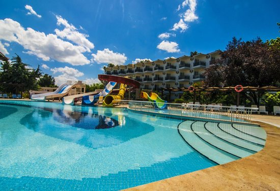 Atlantique Holiday Club: Play pool & slides