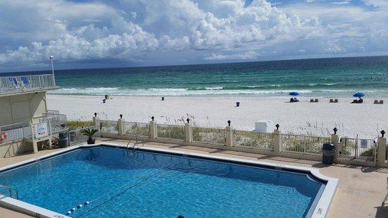 Beachside Resort: Great pool!