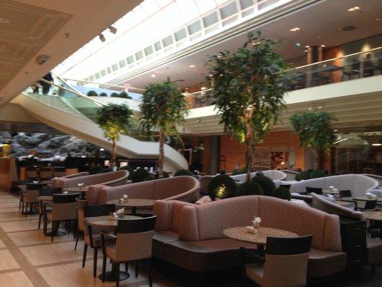 Vienna Marriott Hotel : Hotel Lobby