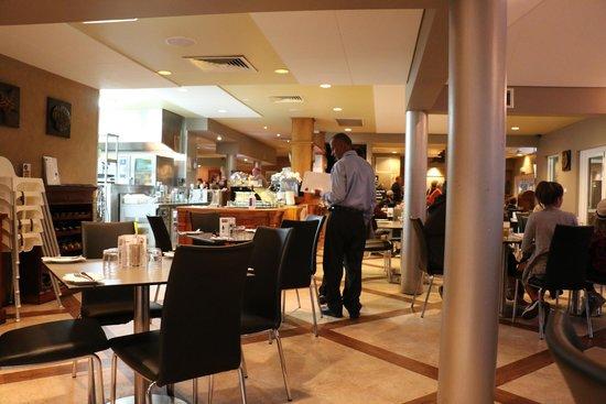 Broadwater Beach Bar & Restaurant: Stilts Dining area