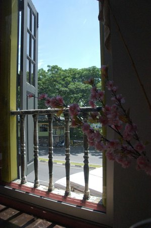 Wo Jia Lodge: Vue depuis la pièce principale