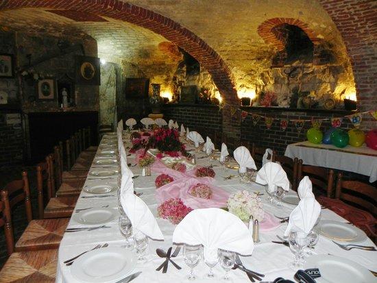 La Garenne: Magnifique salle et table