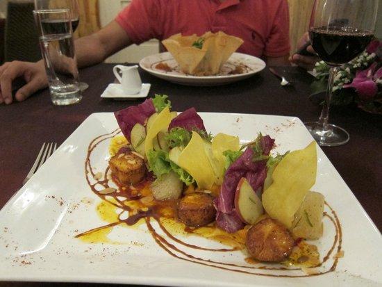La Badiane restaurant : The mains - lamb and scallops