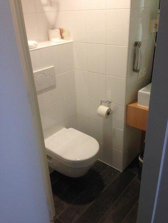 Hotel Ibis De Panne: WC