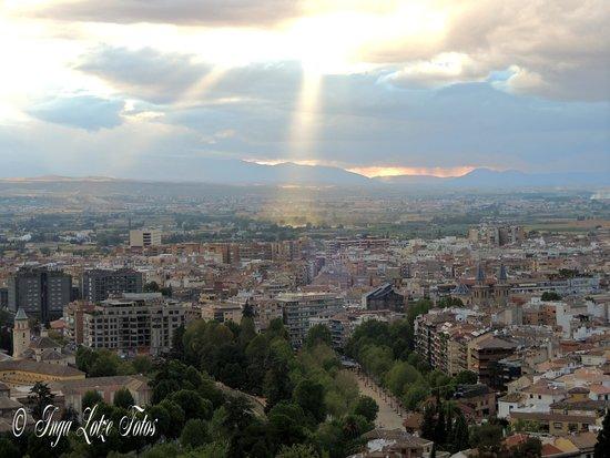 Hotel Mirador Arabeluj : La vista por la tarde desde la terraza