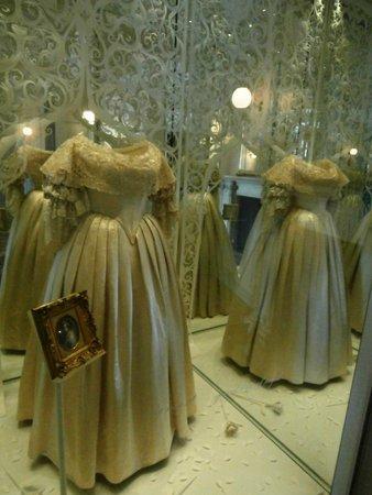 Kensington palace london wedding dresses