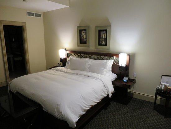 Hotel Nelligan: ベッド