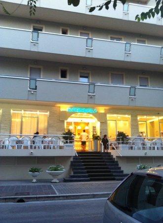 Hotel Principe: Facade de l'hôtel