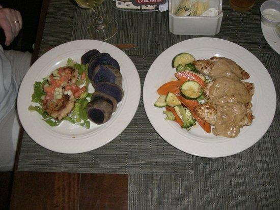 A.K.'s Cafe: Crab Cakes / Baked Ono w/ sweet maui onion sauce