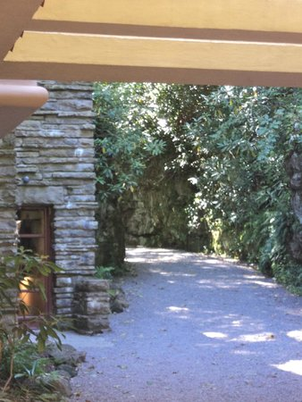 Fallingwater : Just outside the front entrance