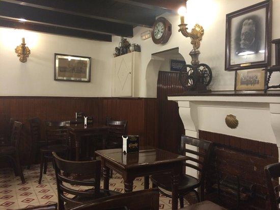 Granja Dulcinea: A corner of the cafe.