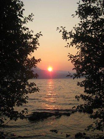 Odell Lake Lodge & Resort: Beautiful sunset at Odell Lake