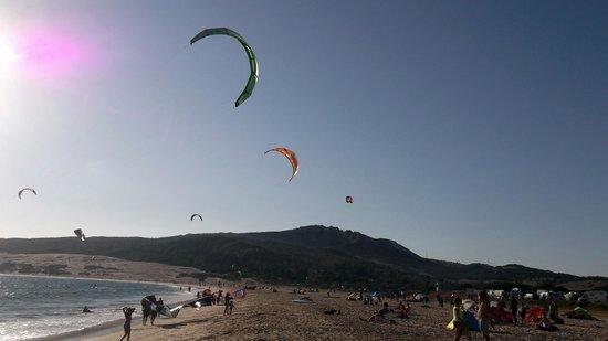 Tarifa Max Kitesurf School: plaża