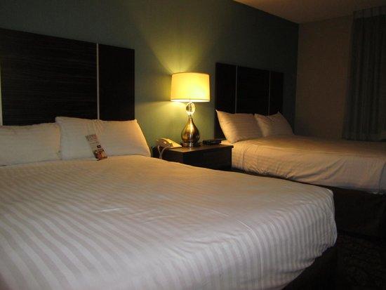 Silver Sevens Hotel & Casino: Lits très propres et confortables