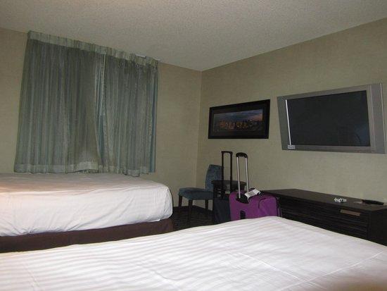 Silver Sevens Hotel & Casino: Belle télévision à notre disposition