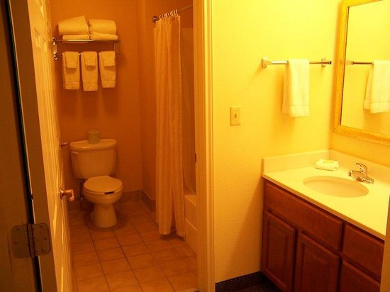 Bathroom amenities picture of staybridge suites south for Bathroom suites direct