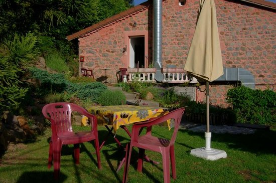 Auberge de Chabanettes: The garden