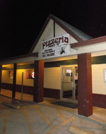 Port A Pizzeria: May 4th 2014 at night