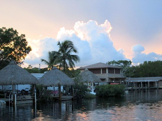 Key Largo Kampground and Marina: Sunset View of the Canal