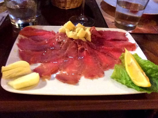 Il Gallo Giallo: Best beef carpaccio I have ever tasted. Period.