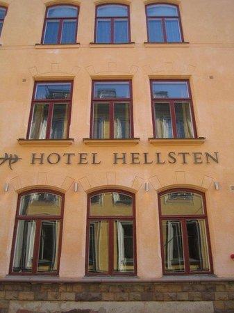 โรงแรมเฮลสเตน