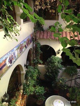 Hotel Casona Colon Inn: Courtyard
