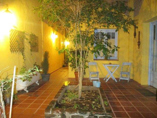 La Querencia de Buenos Aires: Premier patio éclairé de nuit ...