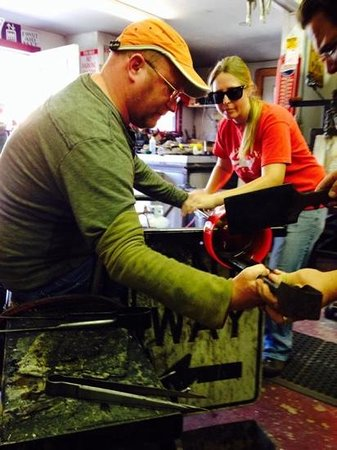 Manchester Hot Glass : We stopped in to check out the glass and befre I knew it: layman, apprentice, and artisan blowin