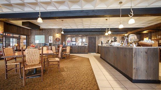 Best Western Adirondack Inn: Breakfast Area