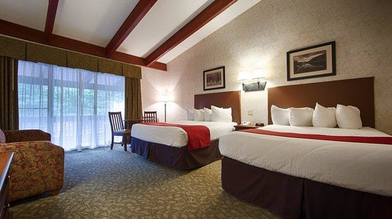 Best Western Adirondack Inn: Double Queen Guest Room