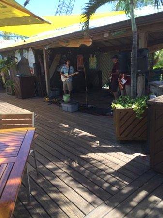 Grills Seafood Deck & Tiki Bar : live band