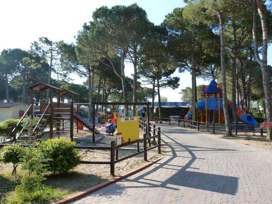 Camping Village Cavallino : parco giochi