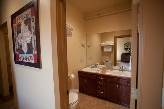 Hotel Prairie: Bathroom Family Suite