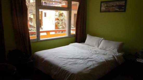 Buddha Garden Hotel : Our 3rd floor garden view room