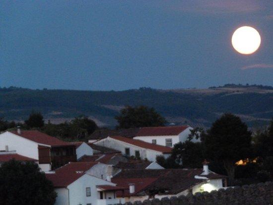 Pousada de Braganca São Bartolomeu: Moonrise