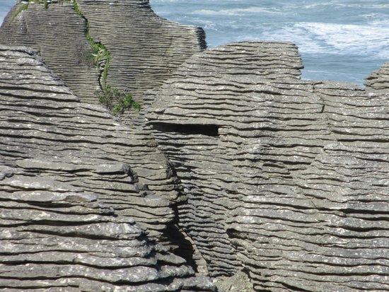 Pancake Rocks and Blowholes Walk: Pancake rocks