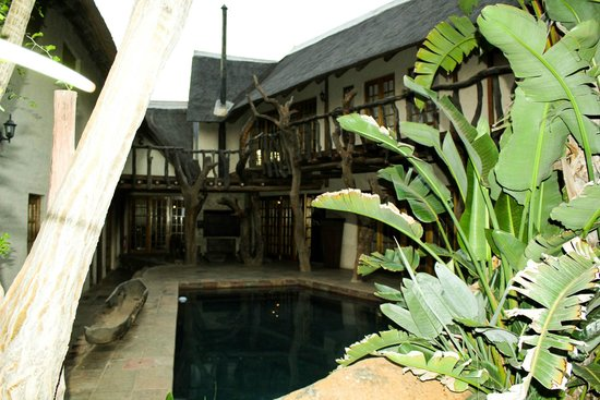 Mokolodi House: Small secluded pool